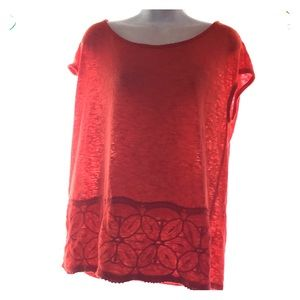 Orange knit with scoop neck and short sleeves